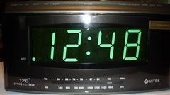 радиочасы цифровые с радио